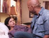 Hija Cachonda se va Poniendo Caliente con su Padre y se lo Folla