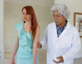 Medico disfrazado Español nos enseña a follar